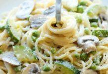 Espagueti con champiñones y calabazas